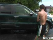 Hot young twinks washing cars and sucking cocks