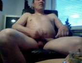 Amateur pale man jacking off nude on his cam