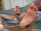 Twink boy Yuri Gurganov never enjoyed anal sex and he wanted to try his first experience by inserting his first dildo up his but.