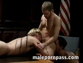 Tiger, Matt Sizemore, and Steve Tuck 3-way. Steve cums into Tiger s mouth and Tiger swallows it up while Matt is fucking Tiger.