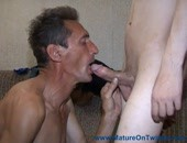 Mature older dude sucking off a young twink