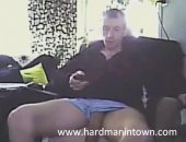 mature dude gets off on cam