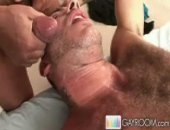 Hunk blows cock till it shoots on him