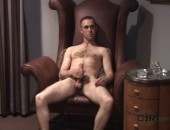 This hunk really knows how to get himself off. Having spent the majority of his life in the army, nowadays he likes to spend his nights relaxing with a hot, hard cock