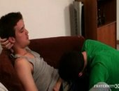 Two fratboys get their dicks sucked while a couple of others run their cams. They start fucking this butt boy, but hes having trouble taking a...