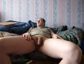Older amateur man wanking his limp cock at home