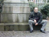 I piss in the very Public Park in Hamburg