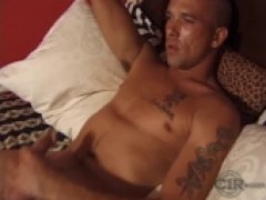 tattooed soldier gets his rocks off