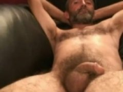 sexy carpenter stroking on cam