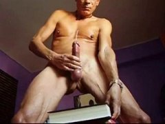 Mature Guy Jerking Off his Cock