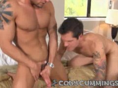 Threesome Homosex Party To Suck And Ass Insertion!