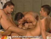 A horny muscle stud sucking two cocks. This is the best kind of way to wind down after a hard workout!
