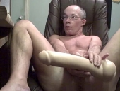 i will shove this dildo up my hole if i get alot of comments believe me it does go in